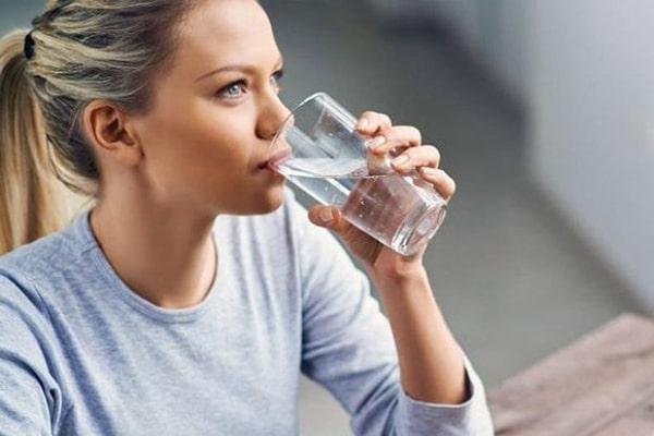 نوشیدن آب بعد از مزوتراپی
